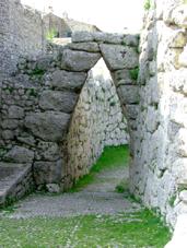 Arpino - Mura ciclopiche e passaggio
